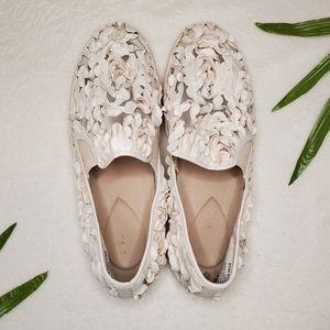 IMNYC Isaac Mizrahi Floral Slip Ons